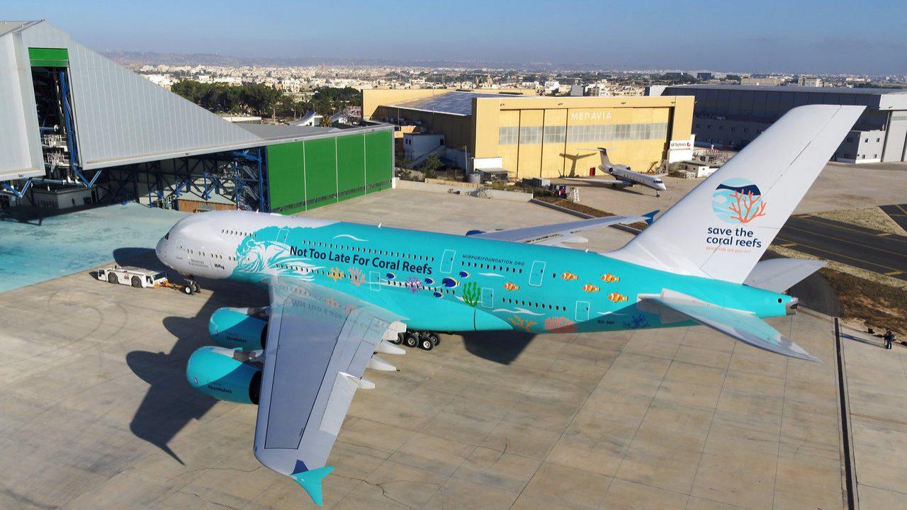 """Maior avião do mundo vai aterrar pela primeira vez em Portugal. A380 da HiFly """"estaciona"""" em Beja"""