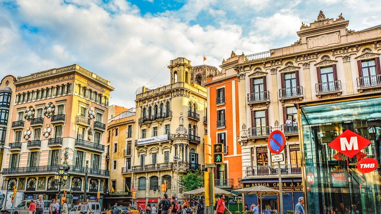 Barcelona vai multar proprietários que forcem inquilinos a sair
