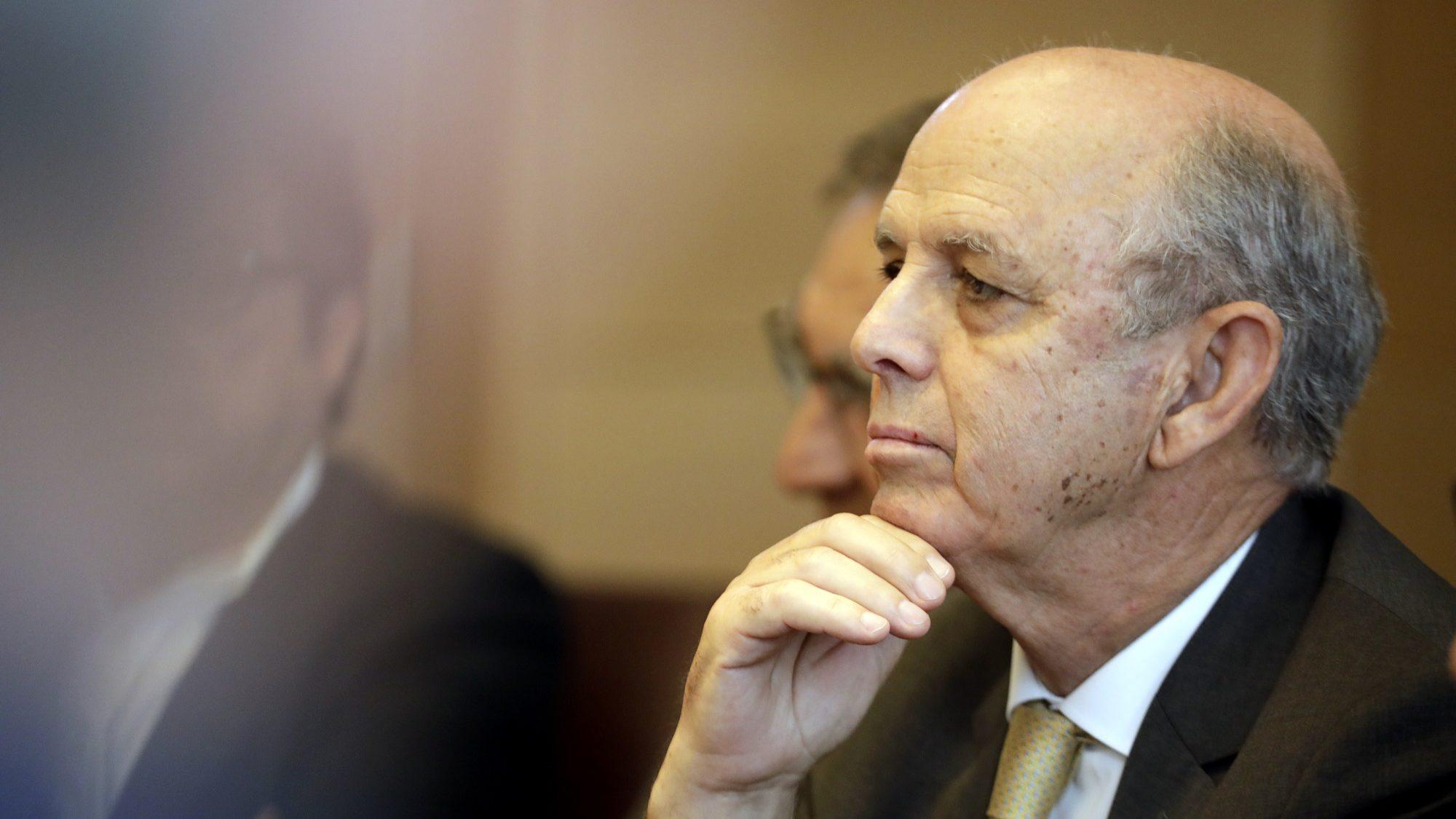 Tomás Correia ainda não sabe se avança para novo mandato