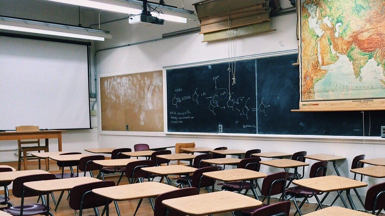 Governo aprova 45 milhões de euros para colmatar falhas na rede de escolas públicas