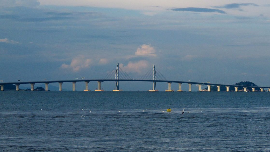 Esta é a maior ponte do mundo. Custou dois mil milhões de euros