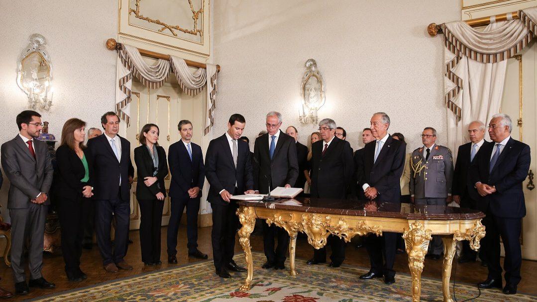 Novos secretários de Estado já tomaram posse. Galamba foi o último