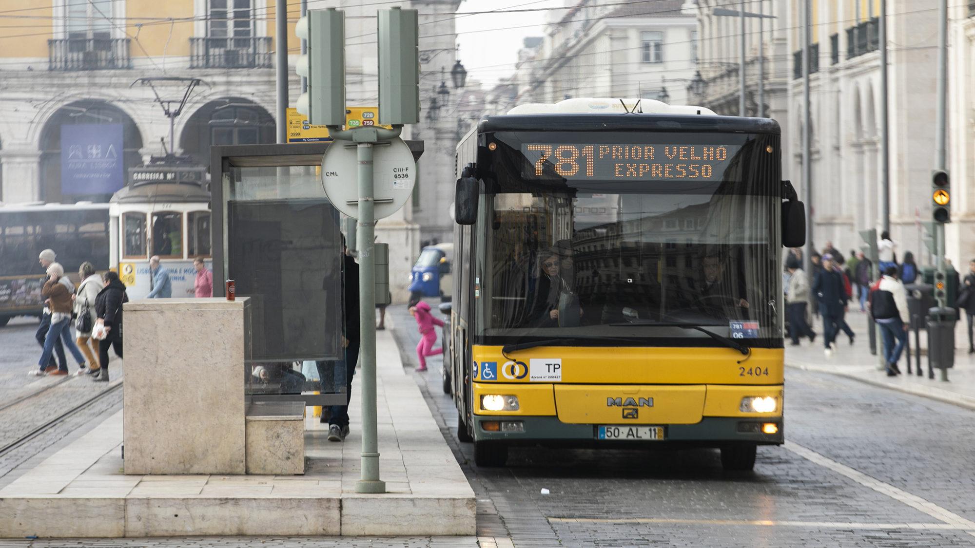 Câmara de Lisboa anuncia concursos para a aquisição de 100 novos autocarros