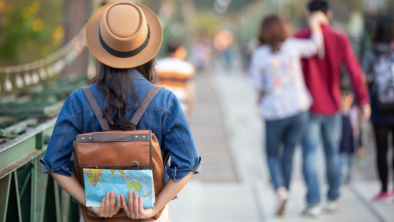 Turismo recupera em agosto com ajuda dos residentes em Portugal