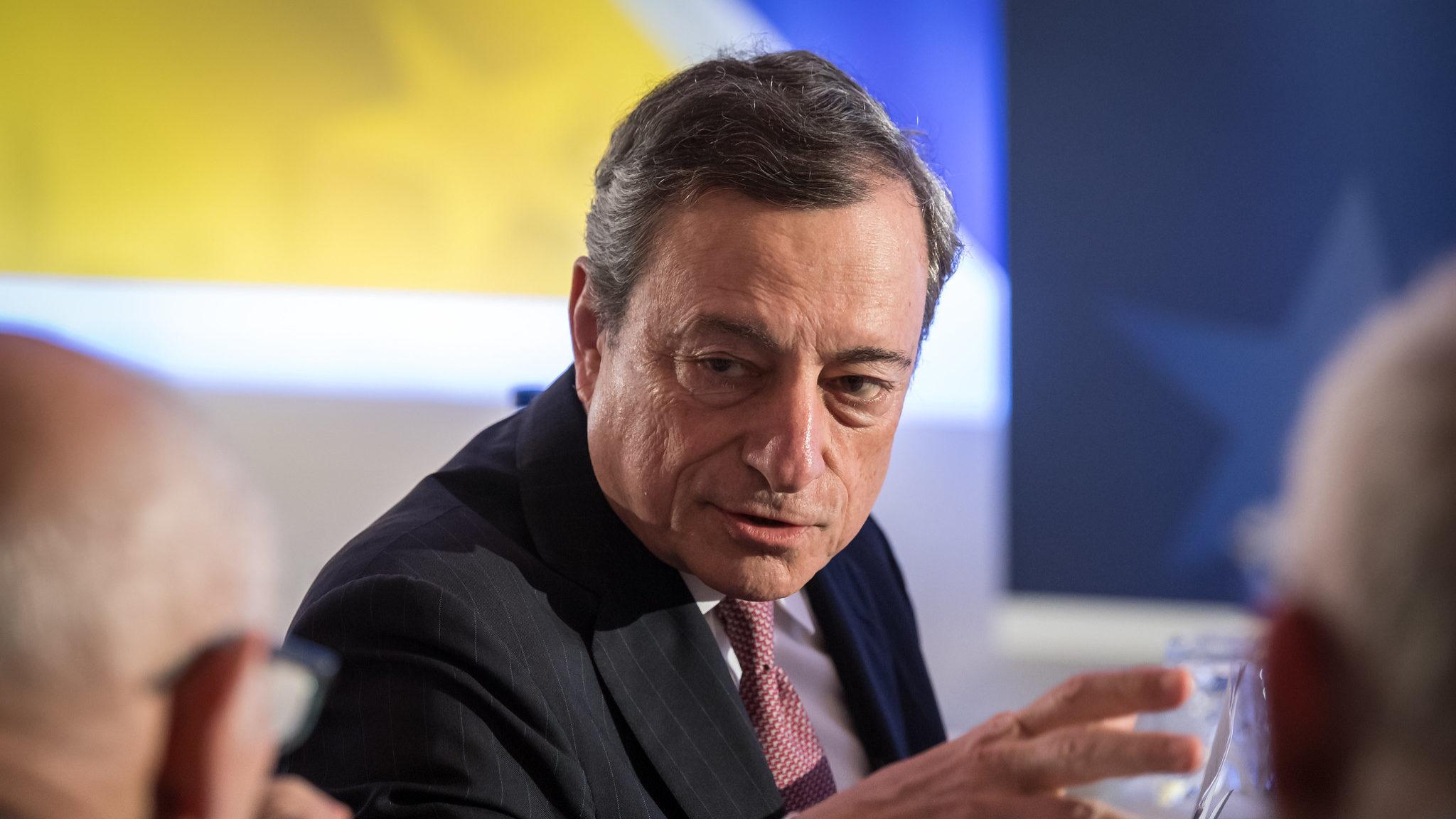 """""""Não temos como alvo a taxa de câmbio."""" É assim que Draghi responde às críticas de Trump"""