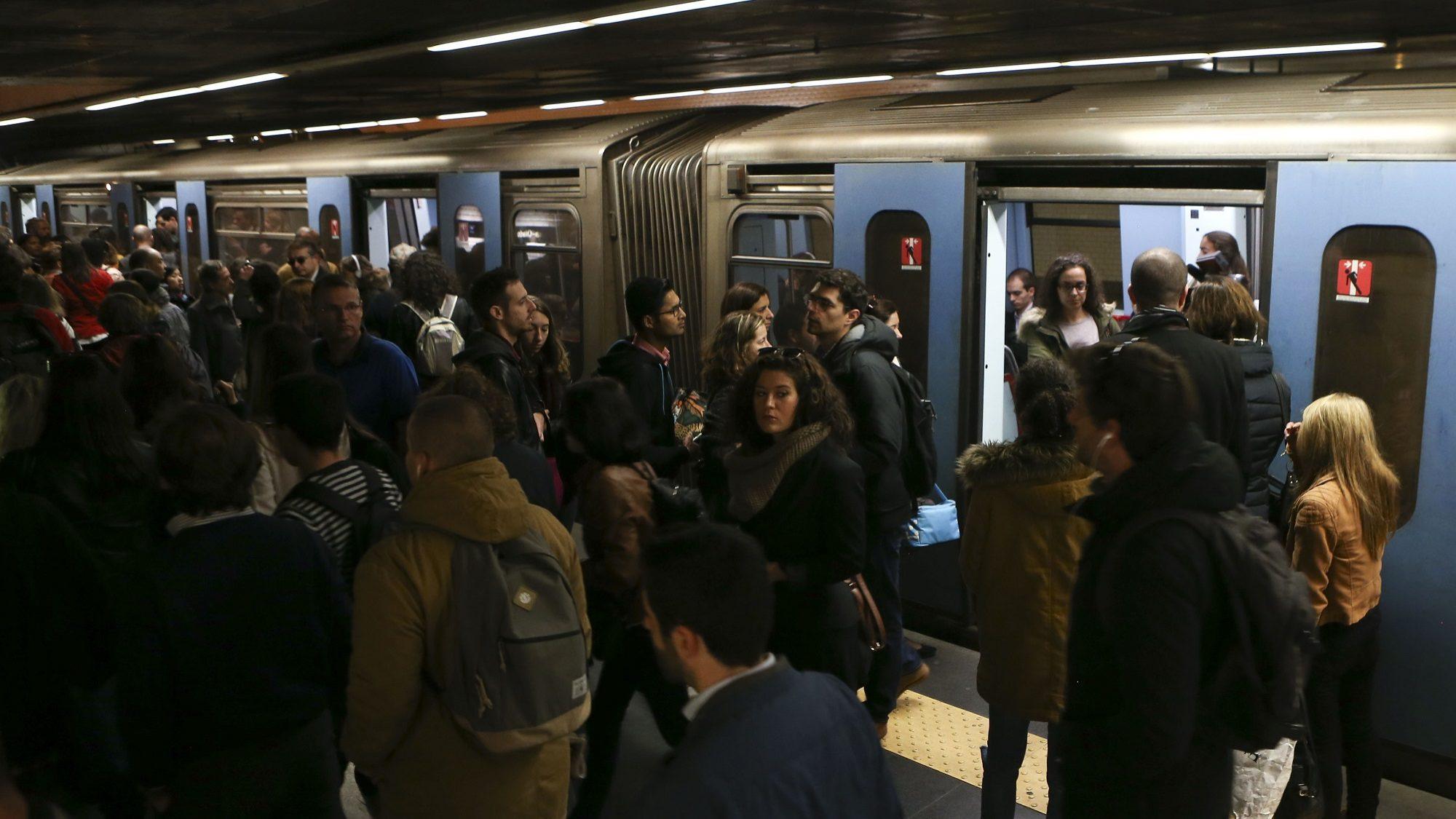 Metro de Lisboa contesta ação interposta por consórcio sobre concurso para carruagens