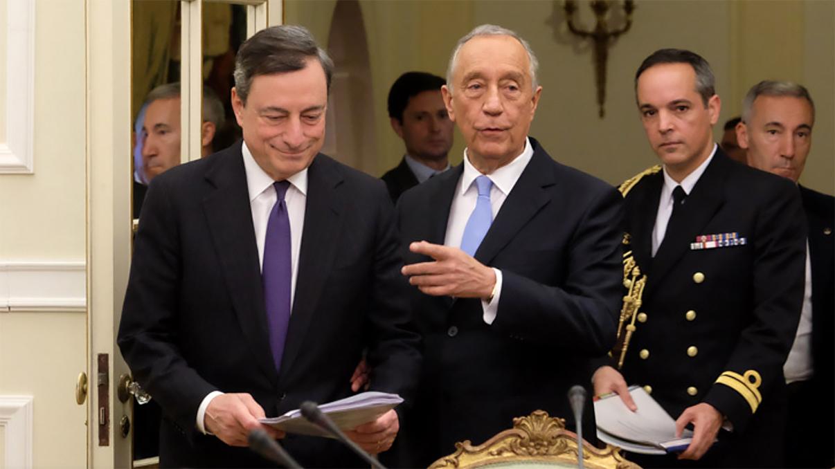 Marcelo condecora Draghi no fim do mandato no BCE
