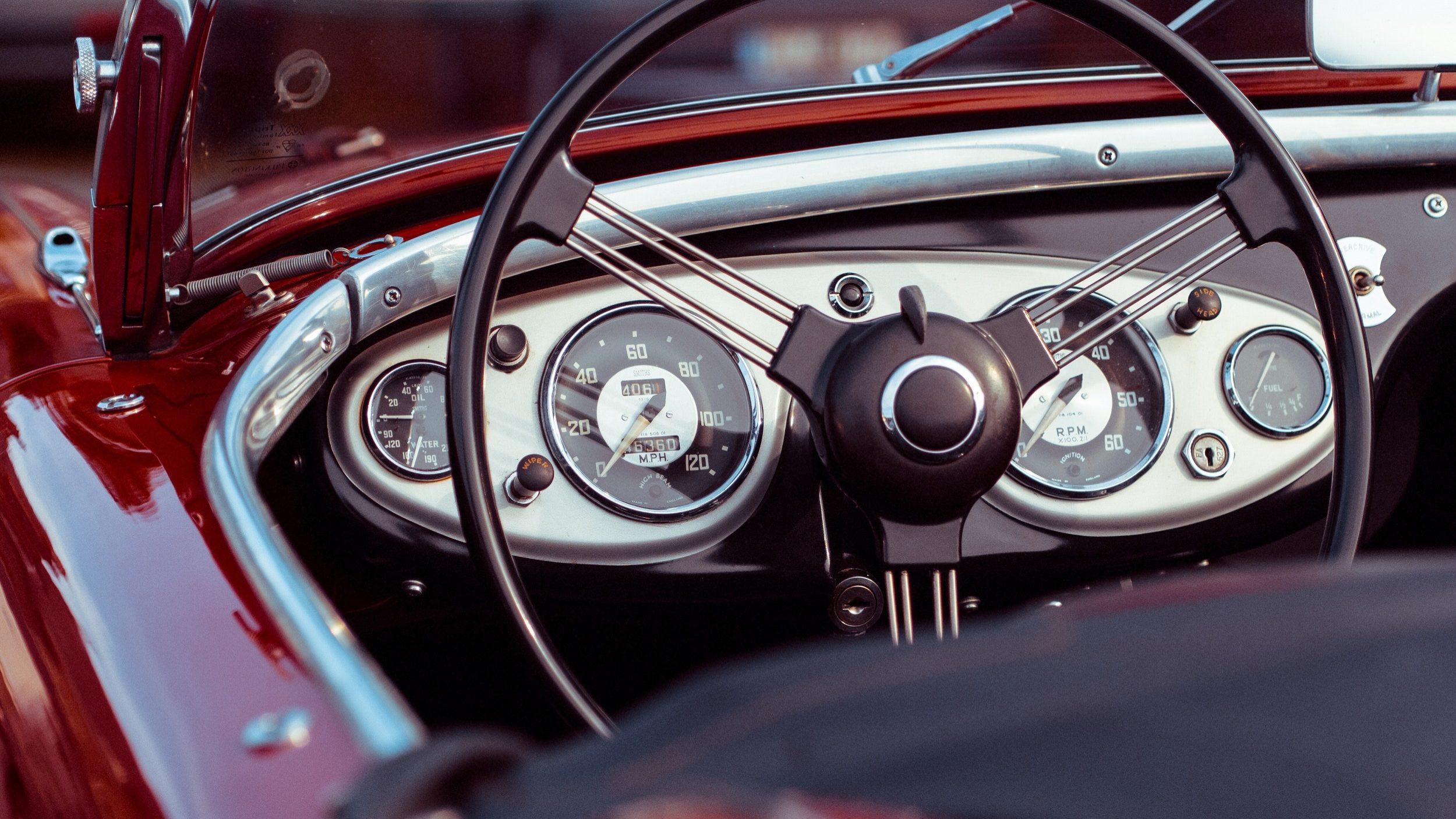 Número de créditos automóvel cai quase 18% em junho