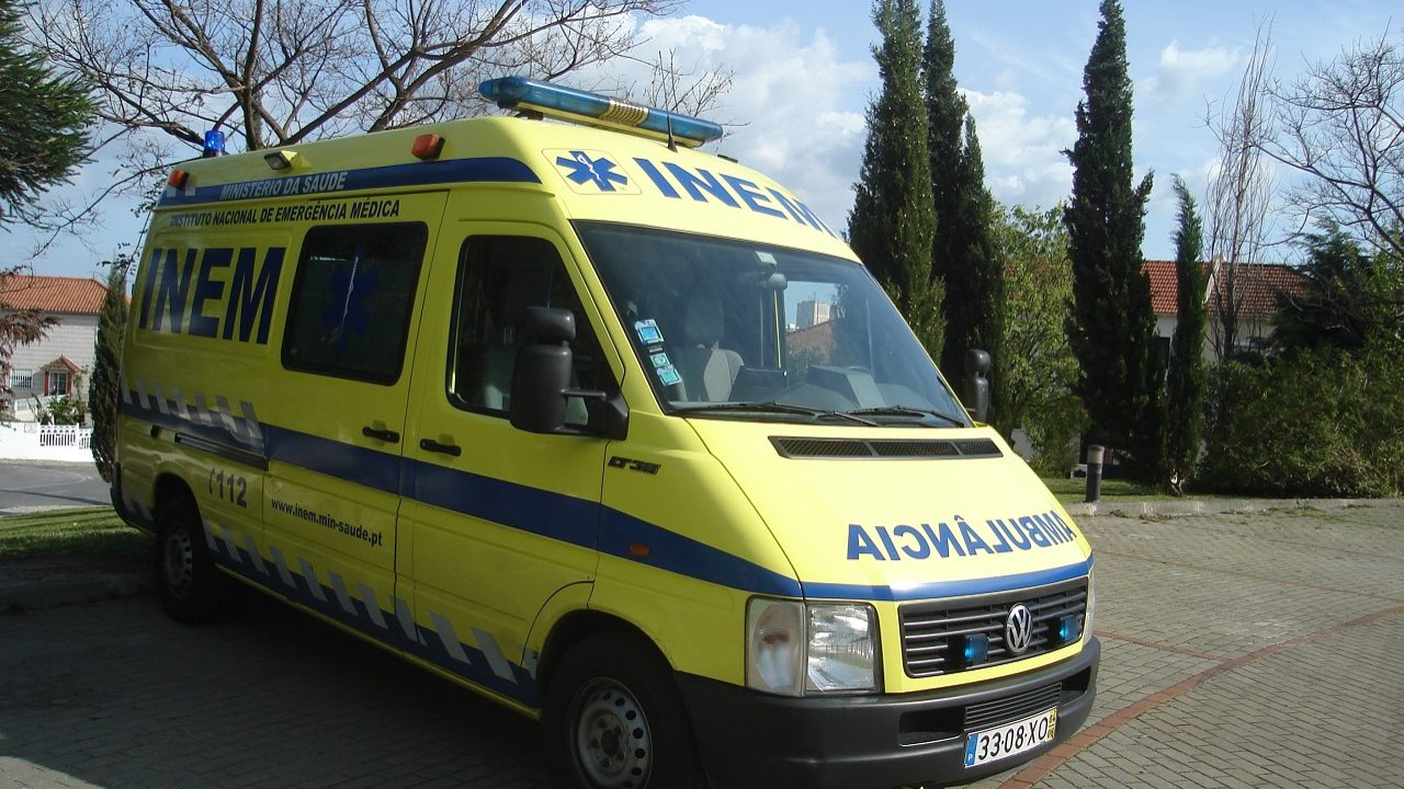 "Finanças ""travam"" novas ambulâncias do INEM"