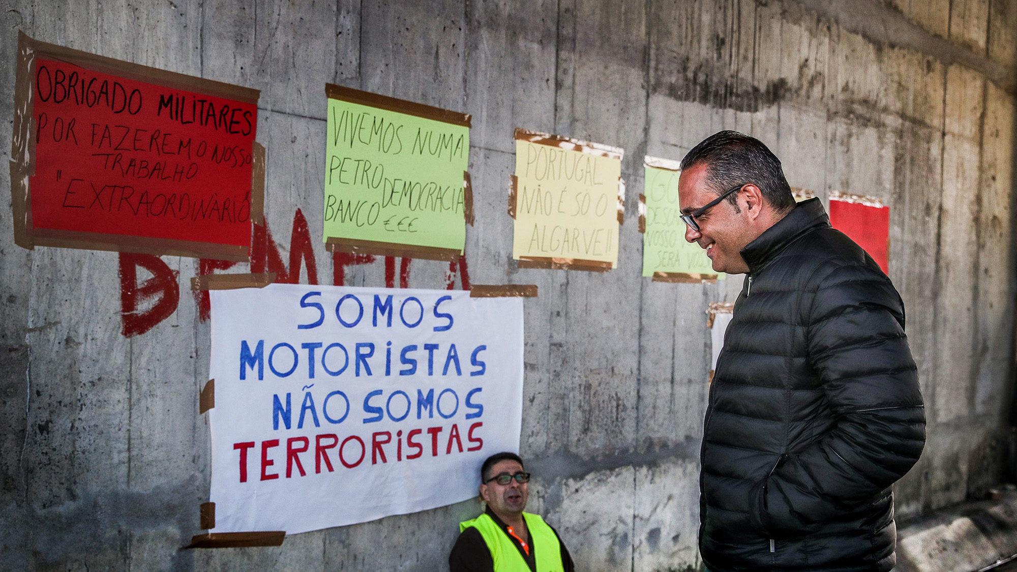 """Motoristas pedem mais do que Fectrans. Pedro Nuno Santos diz que greve """"já é demais"""""""