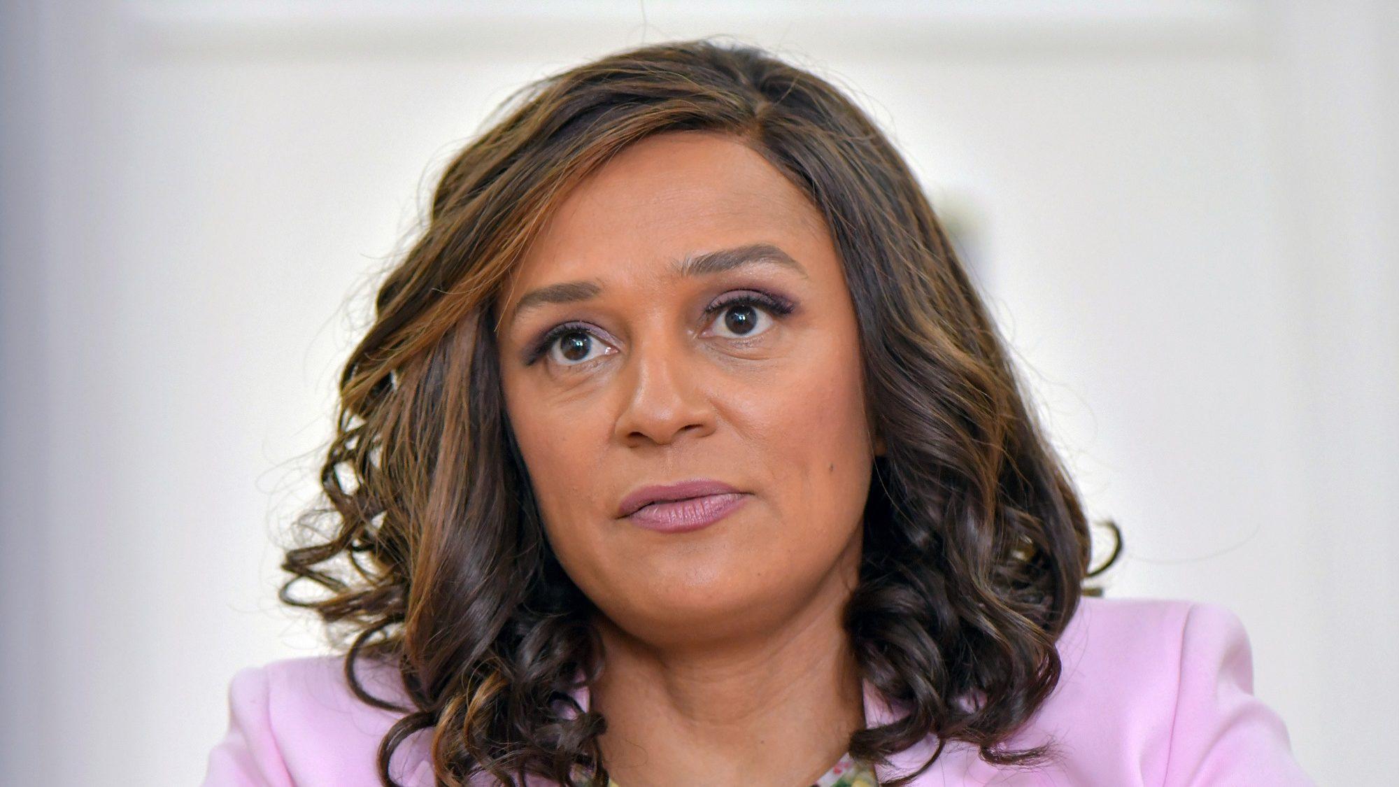 """Angola vive em """"instabilidade"""" e precisa mostrar que é um Estado de Direito, diz Isabel dos Santos"""