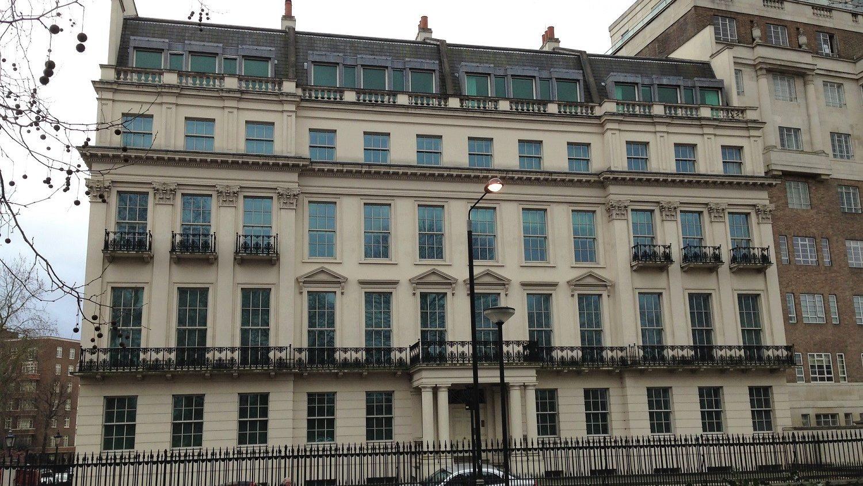 Magnata chinês paga 200 milhões por mansão em Londres. É a casa mais cara de sempre do Reino Unido