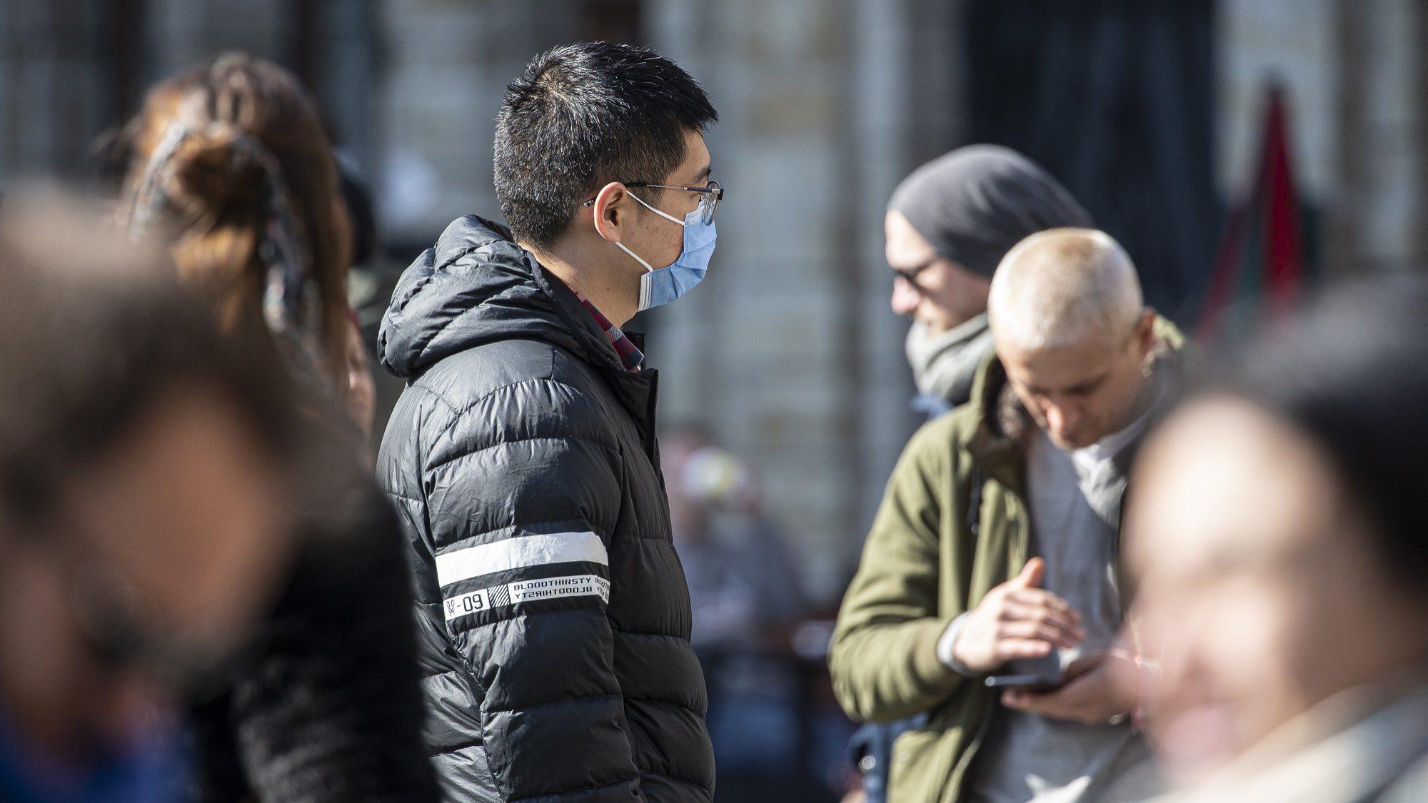 Pandemia matou mais de 75 mil pessoas em todo o mundo