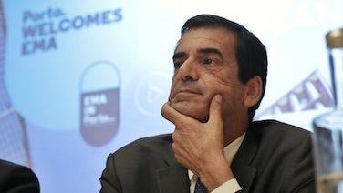 Resultado de imagem para Infarmed: Governo suspende deslocalização para o Porto