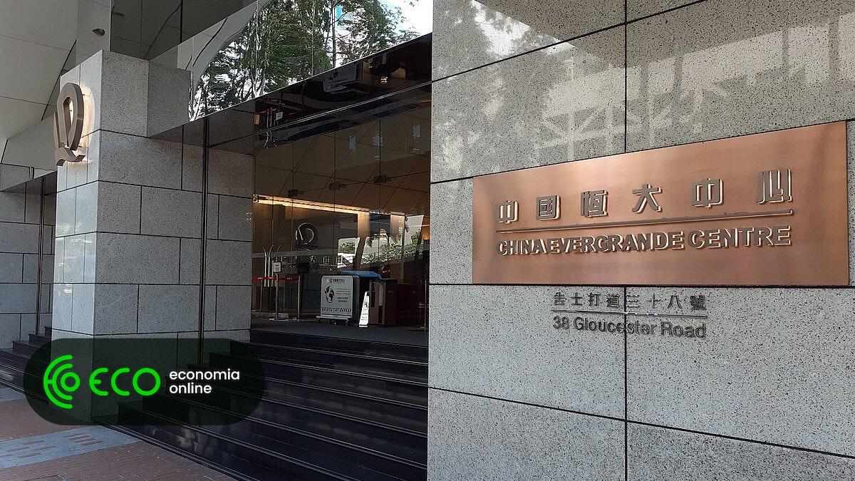 Evergrande mais perto do incumprimento após falhar pagamento a bancos - ECO Economia Online